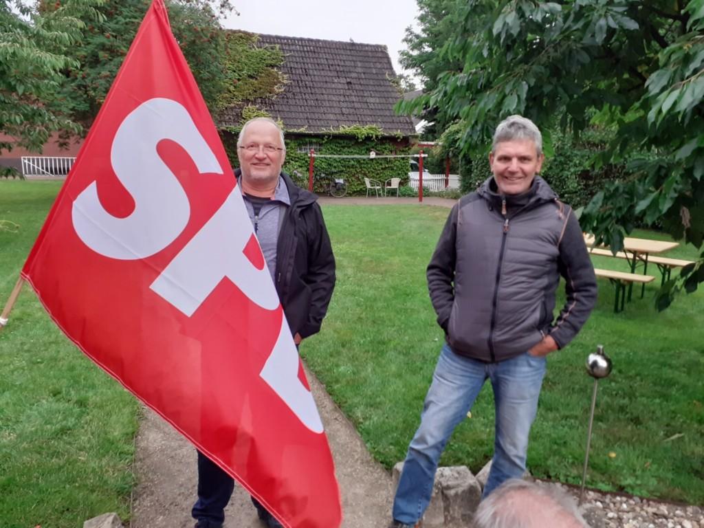 von links: Prof W. Schröder, M. Albers